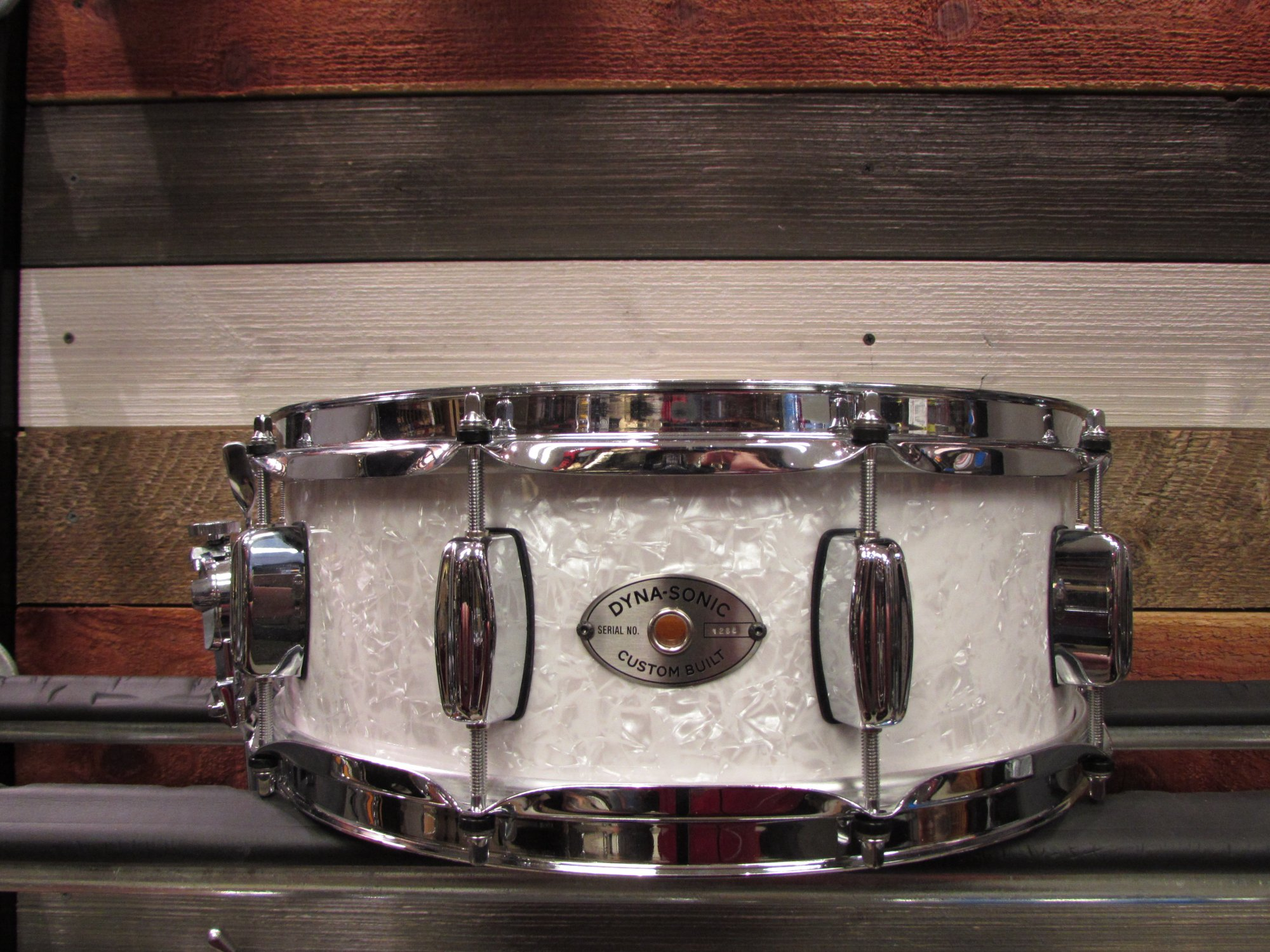 Rogers Dynasonic White Marine Pearl Snare Drum 5 x 14