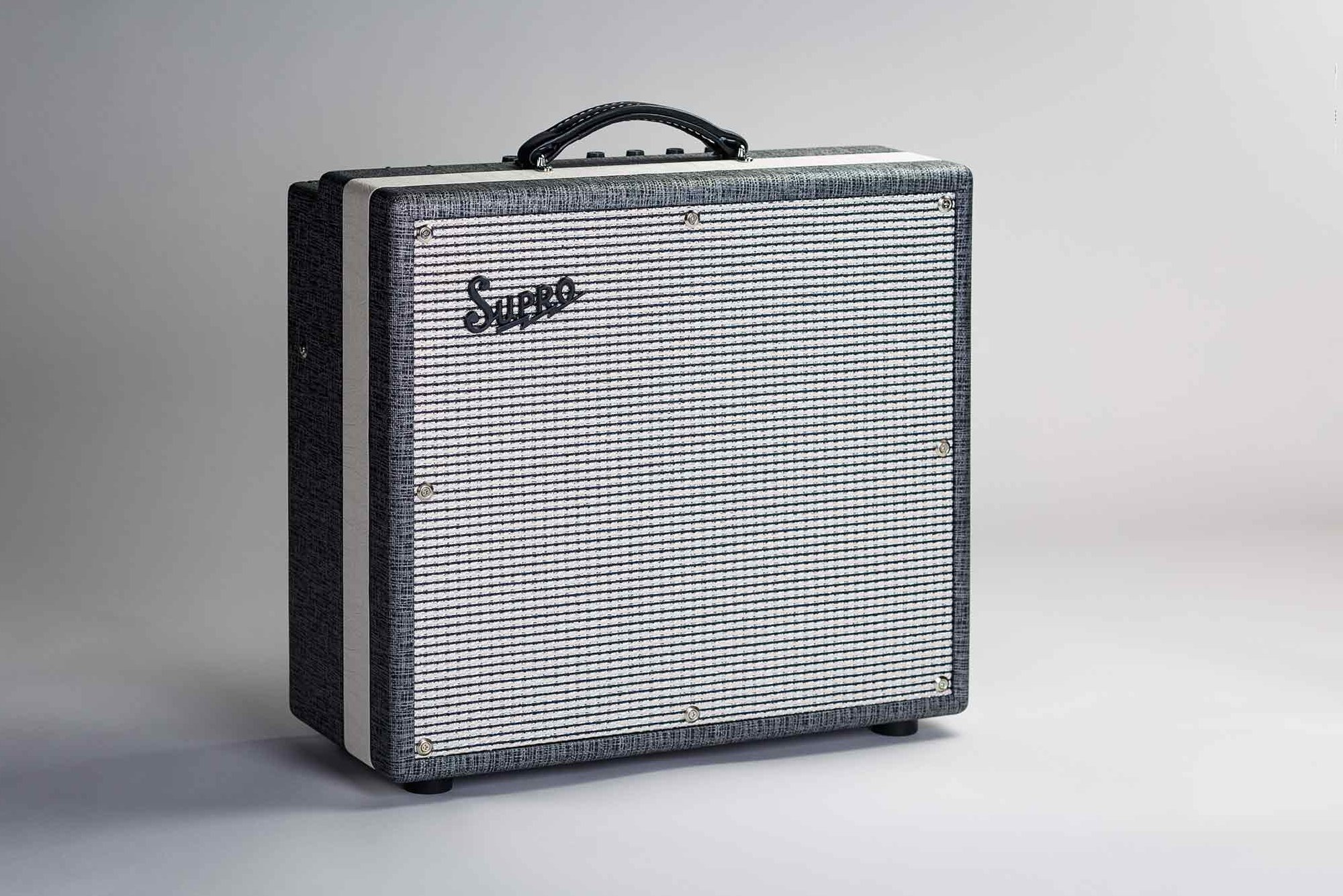 Supro Black Magic 1695T