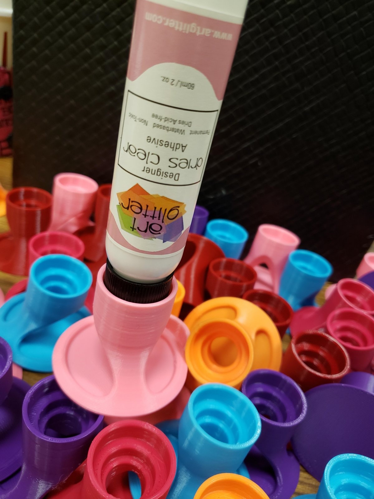 Wait-less Glue Holder 77202
