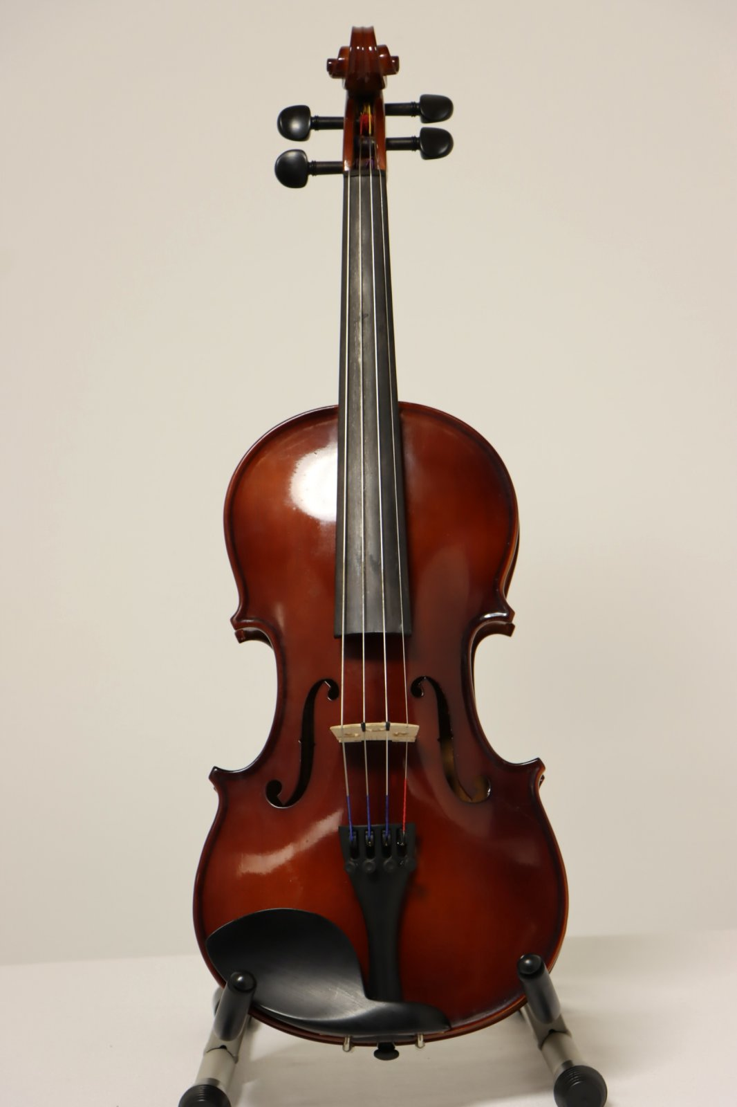 USED Scherl and Roth 14 Viola with case and bow