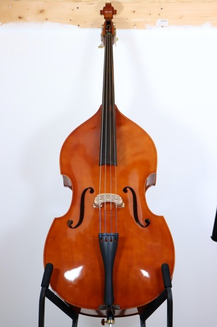 USED Shen 1/4 Bass with bow and bag