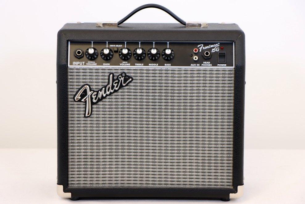 USED Fender Frontman 15G Guitar Amp