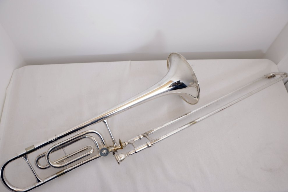 USED Vintage Reynolds Contempora Silver F-Trigger Trombone with Soft Case