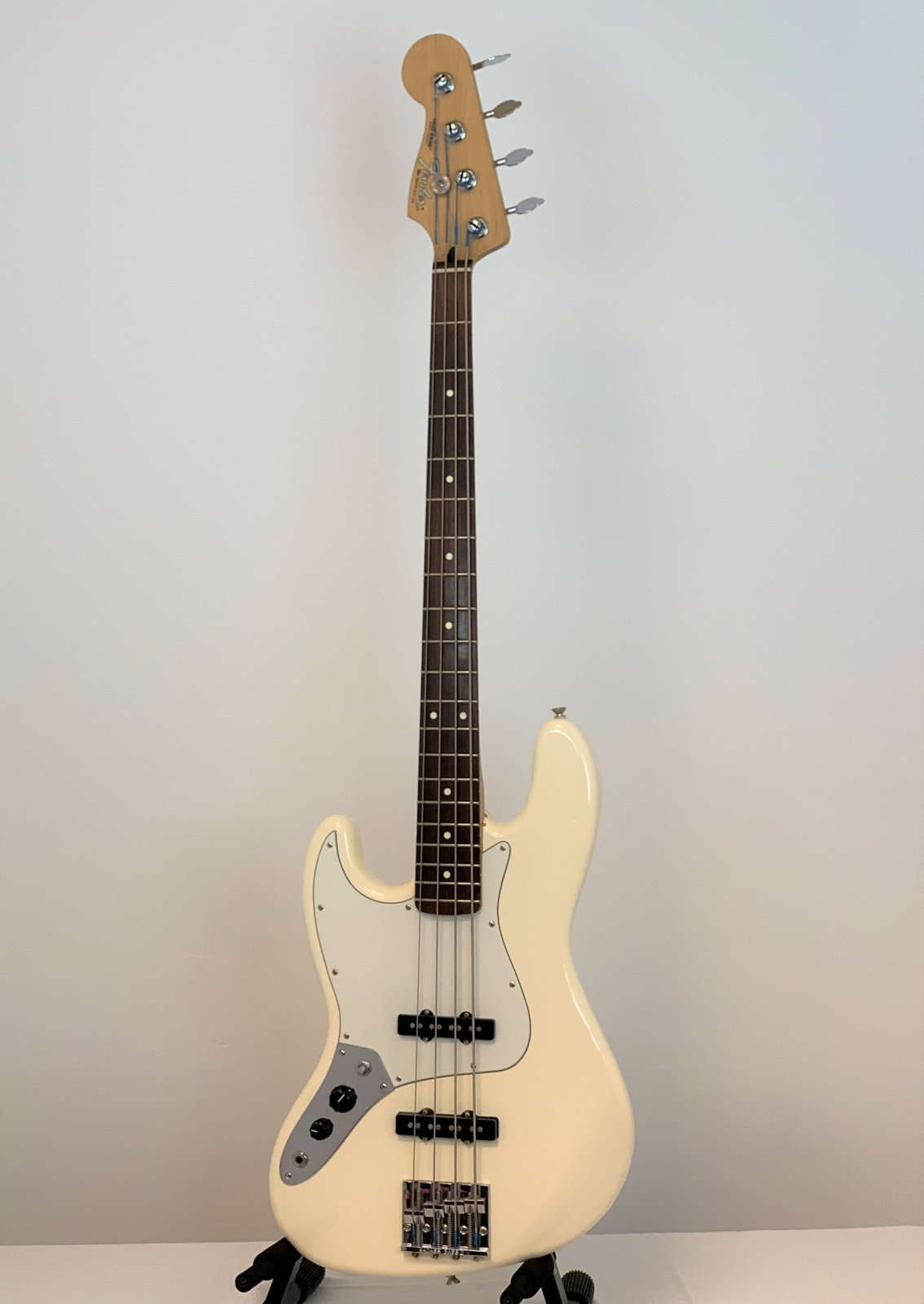 USED LEFTY Fender Standard Jazz Bass White Made in Mexico