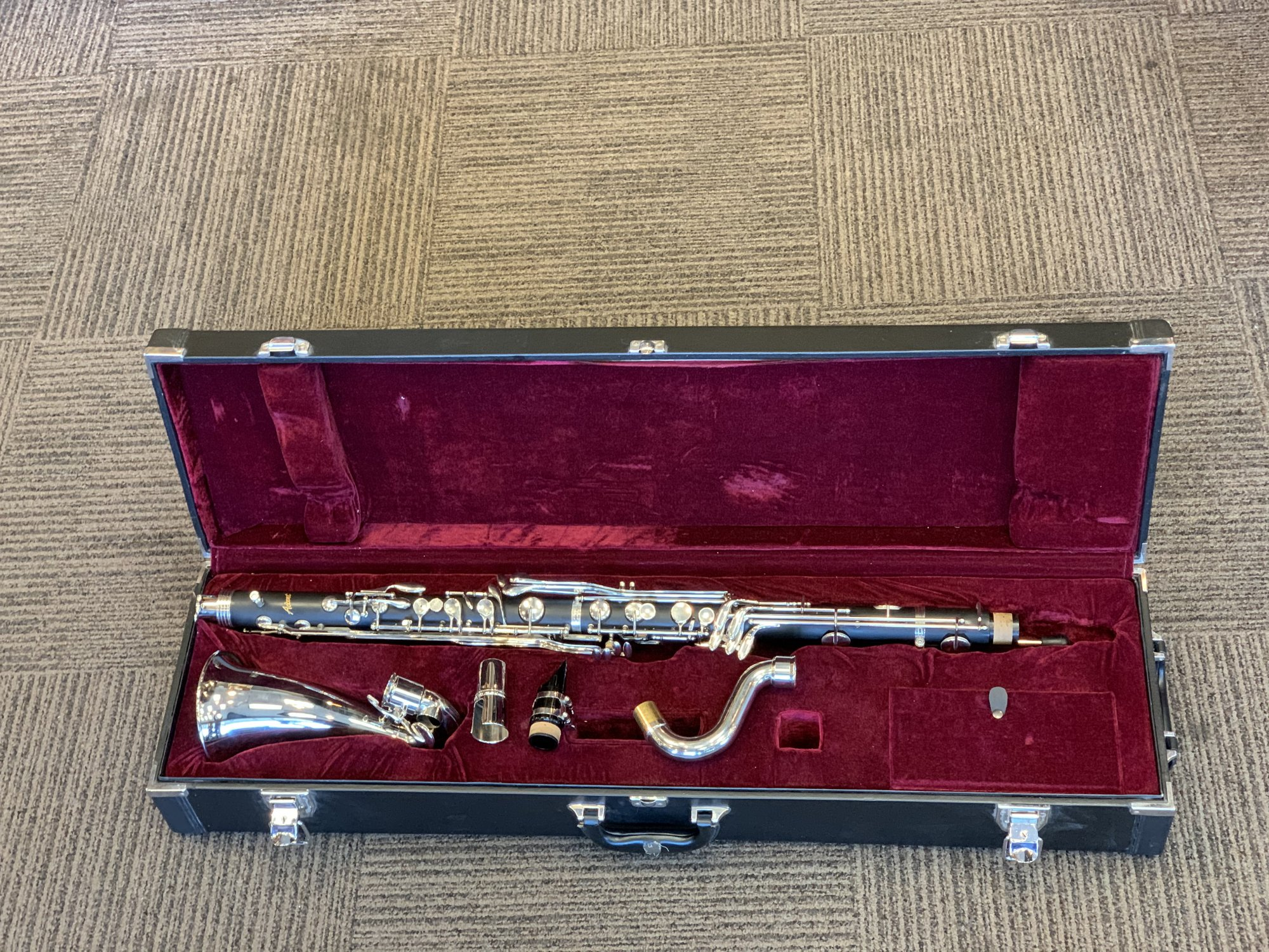 USED Accent Bass Clarinet Model BC570E in MINT CONDITION with Hard Case