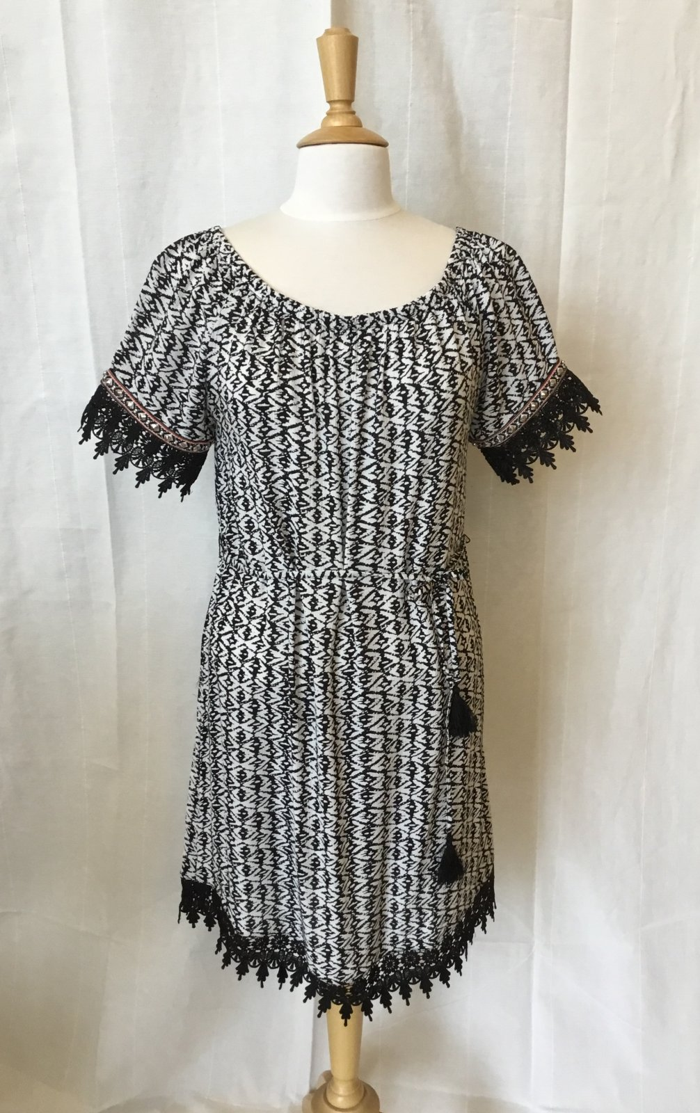 Esqualo Print Dress w/lace