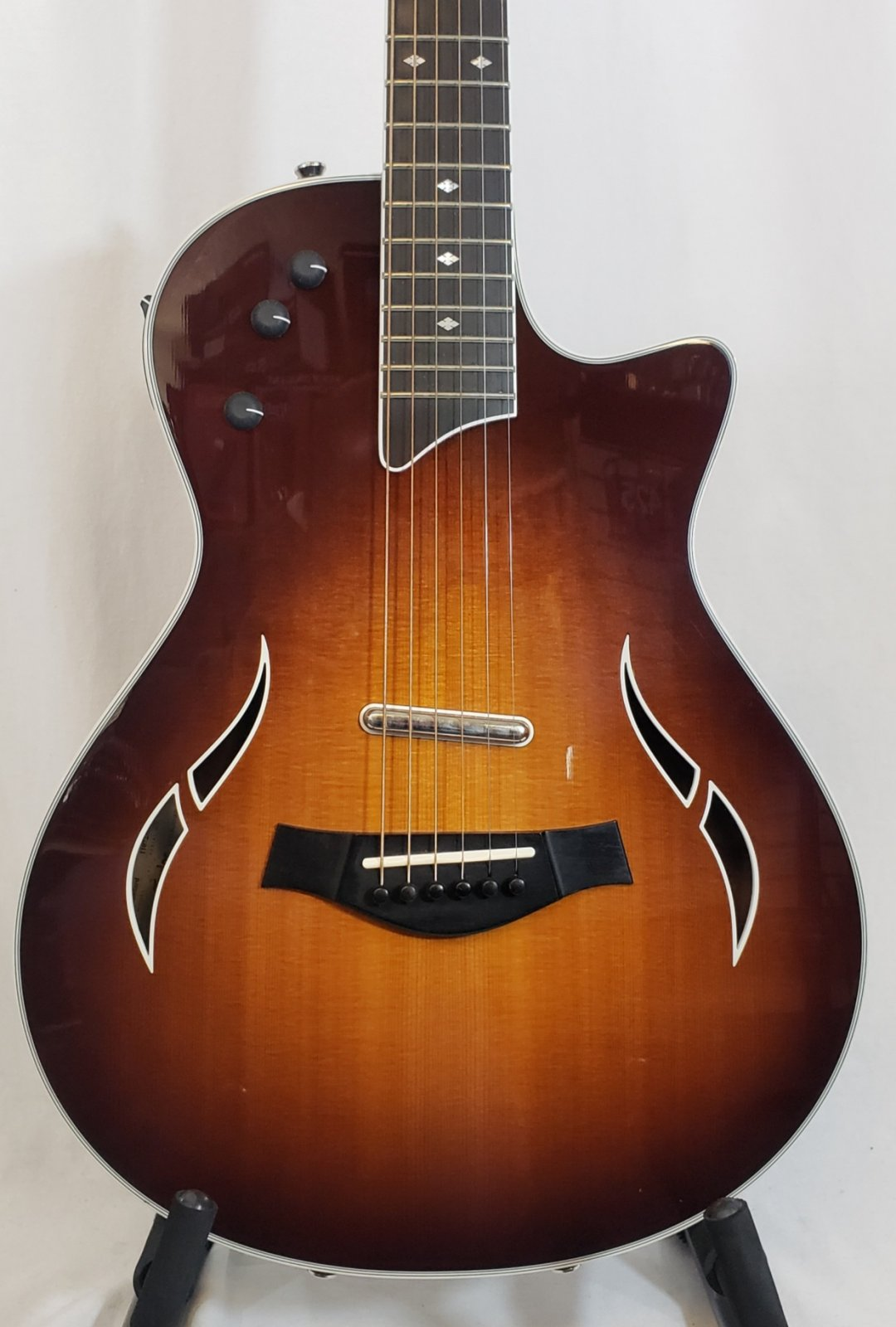 TAYLOR T5z ELECTRIC GUITAR WITH CASE