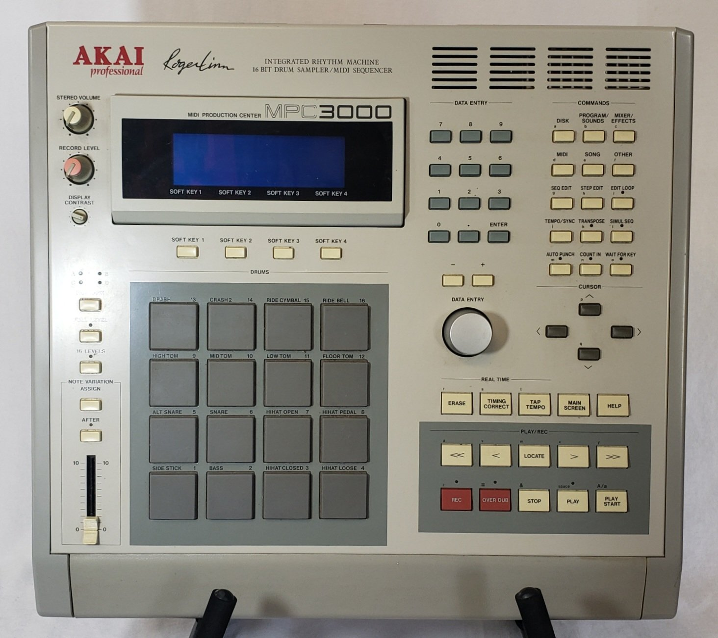 AKAI MPC3000 SAMPLER / SEQUENCER W ZIP DRIVE