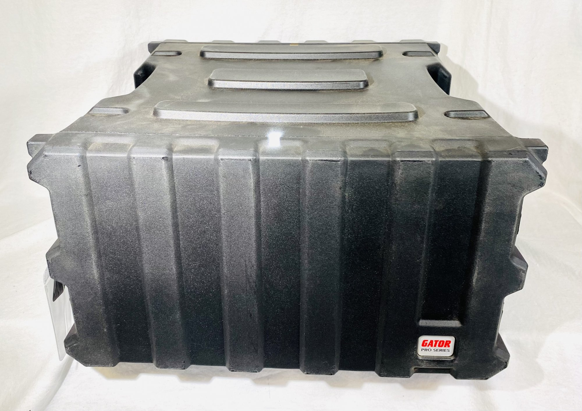 GATOR PRO 6 SPACE RACK, MOLDED WITH LIDS