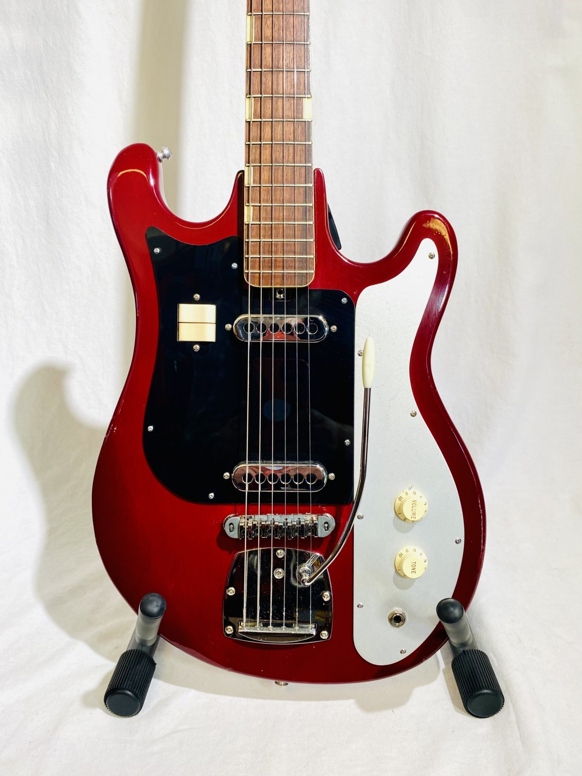 TEISCO WG2L 60'S MADE IN JAPAN ELECTRIC GUITAR W/ PLAYERS UPGRADES, BURGUNDY
