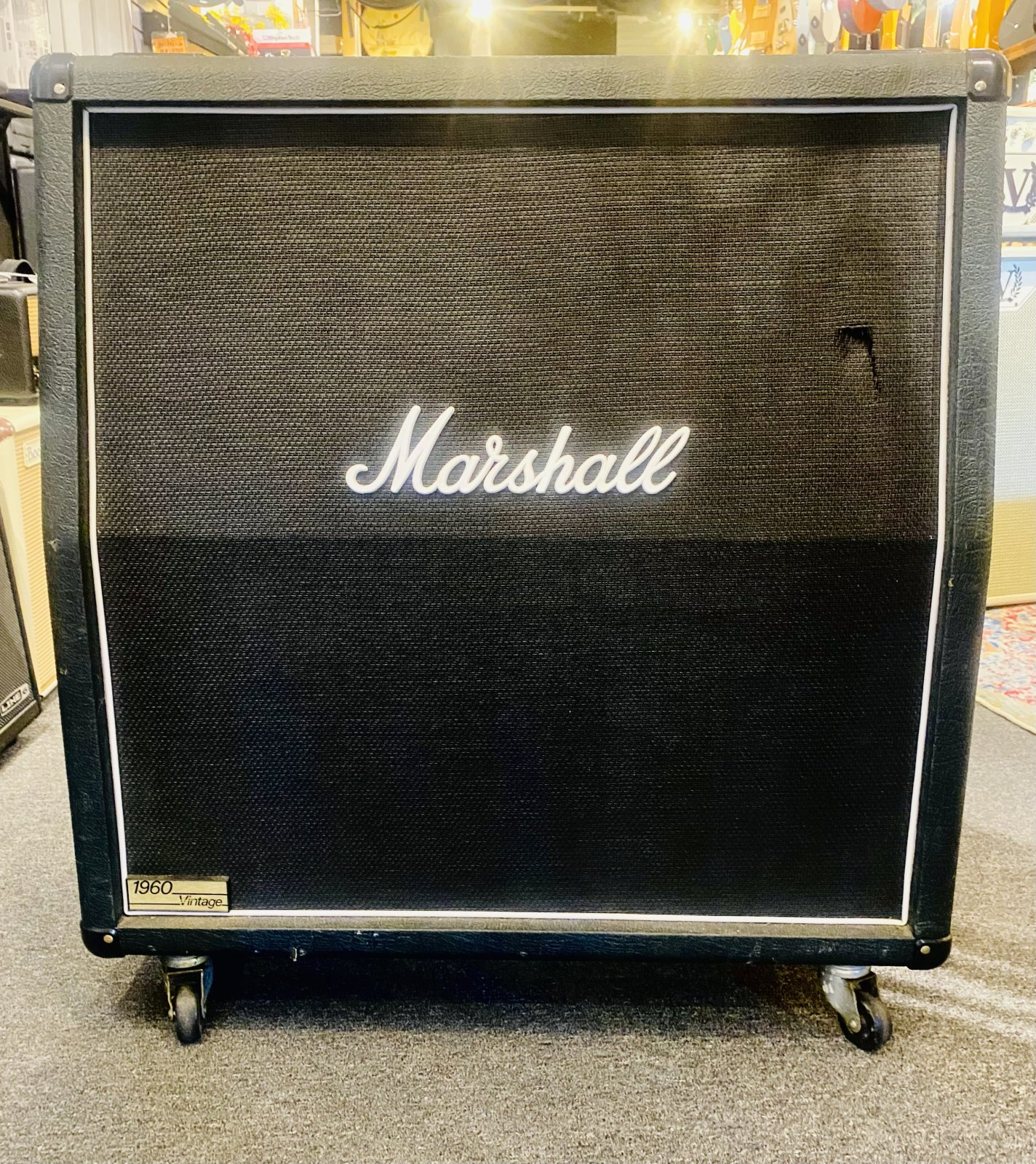MARSHALL 1960AV 280 WATT 4X12 ANGLED EXTENTION GUITAR CABNIT
