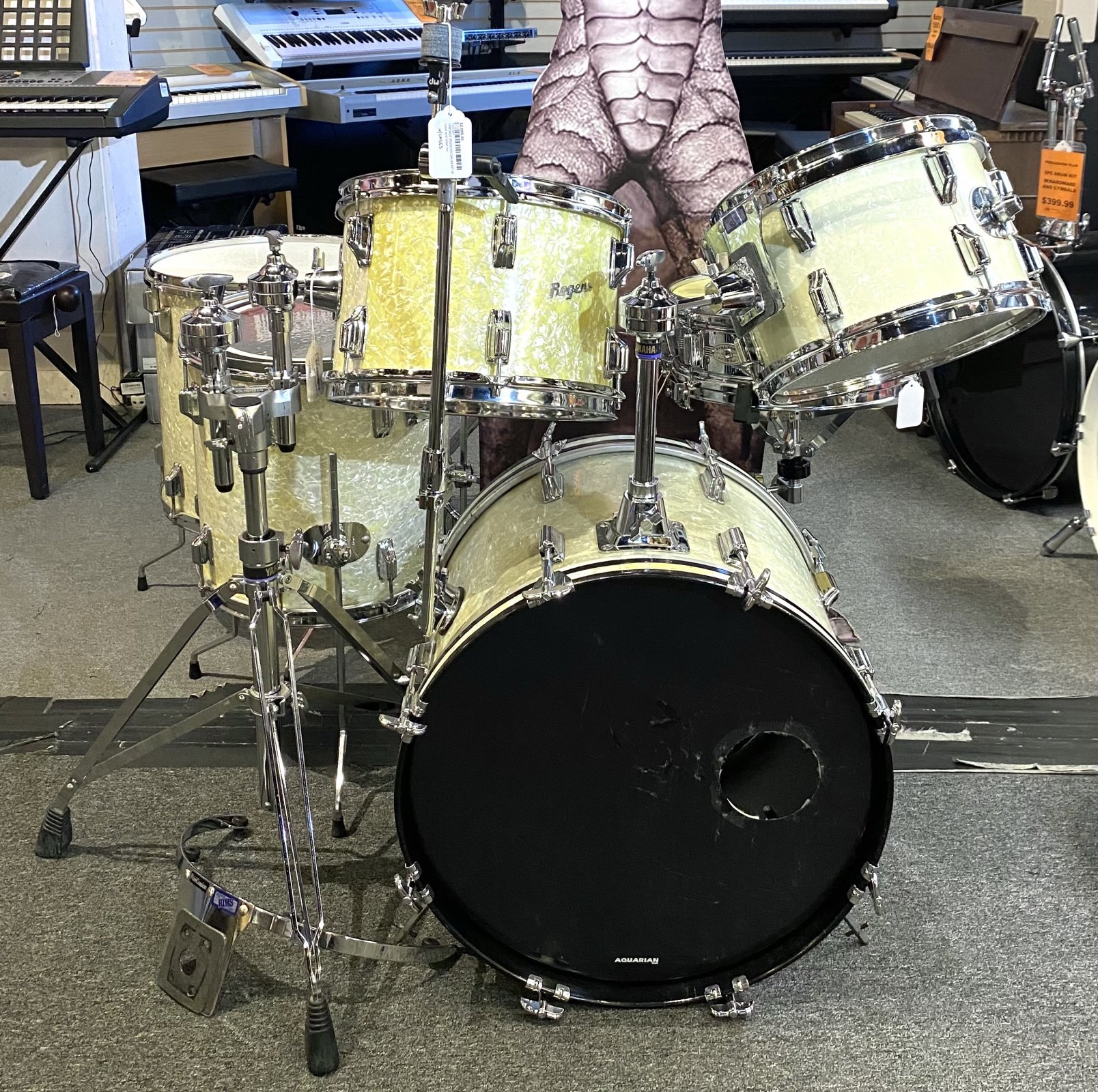 VINTAGE ROGERS DRUM KIT W CASES, 6-PIECE, EARLY 70'S ERA