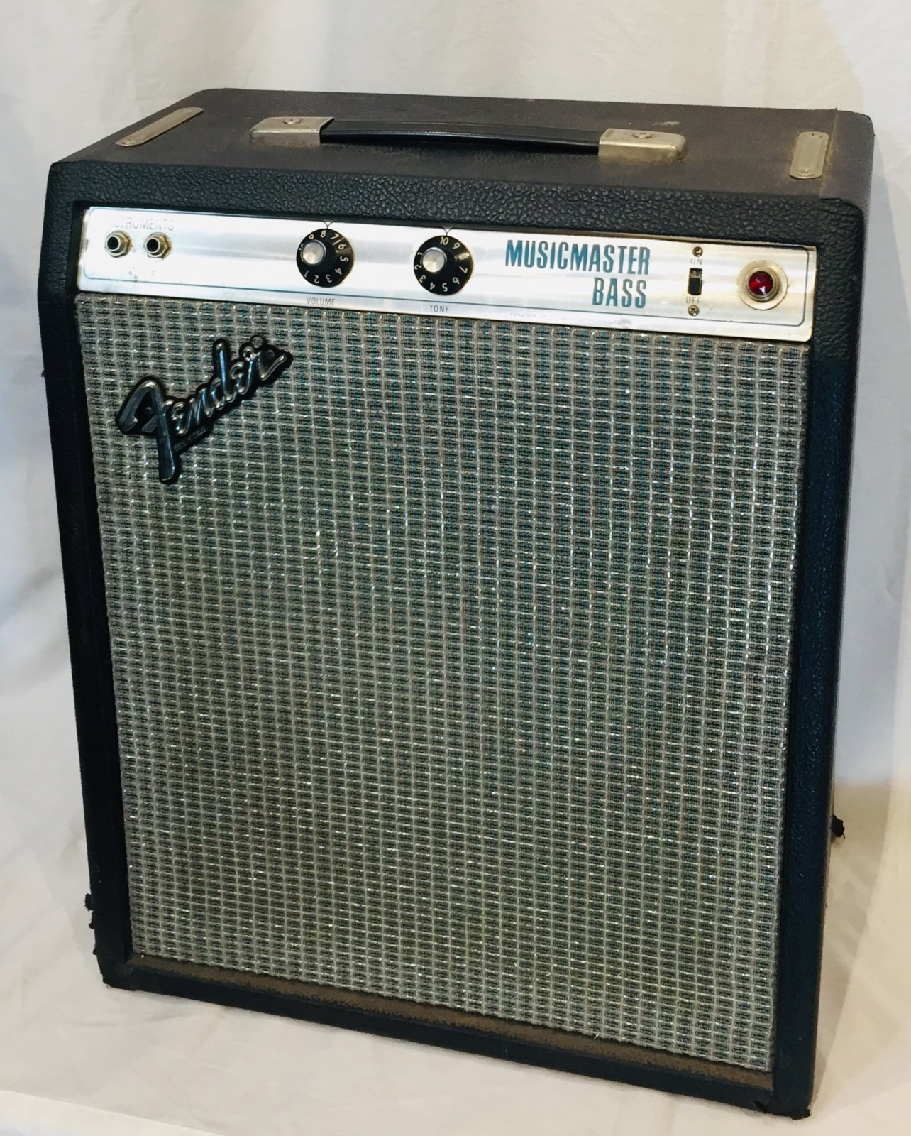 FENDER MUSICMASTER BASS AMPLIFIER