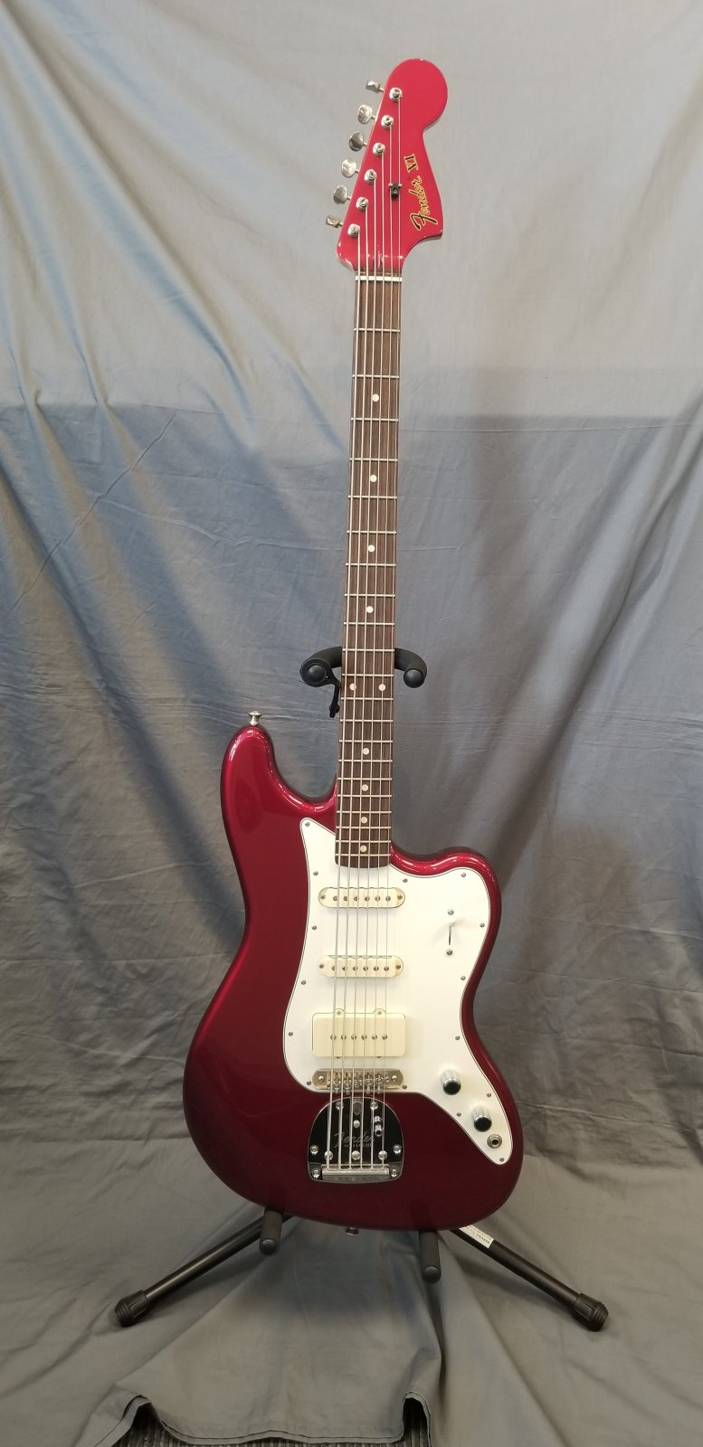 FENDER BASS VI CANDY APPLE RED