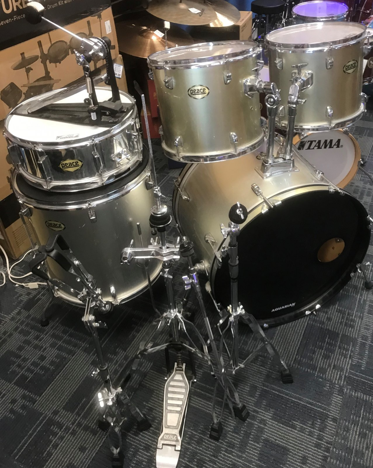 USED PEACE 5 PC KIT WITH STANDS SILVER AND STARTER CYMBALS