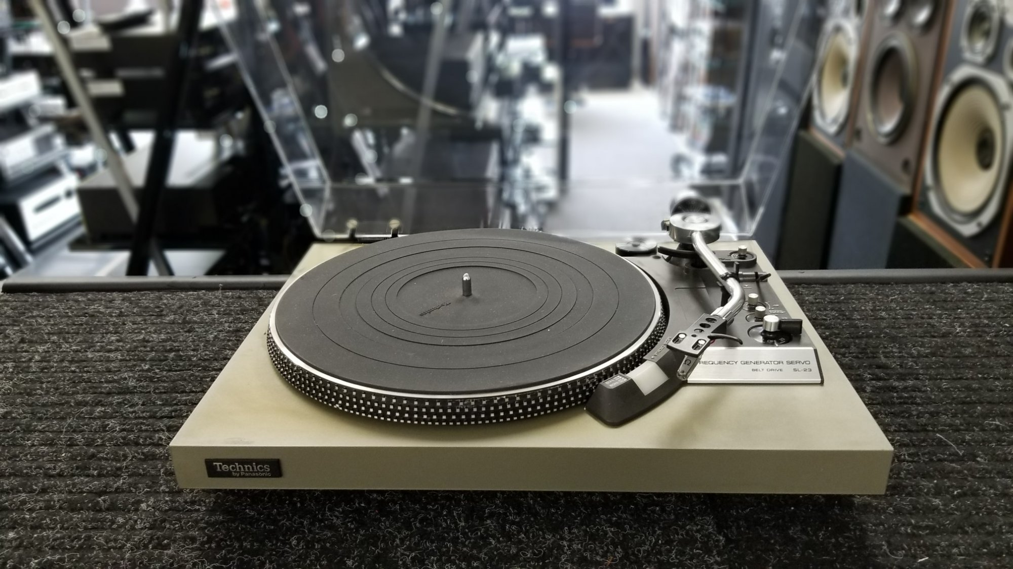 Technics SL-23 Belt Drive Turntable