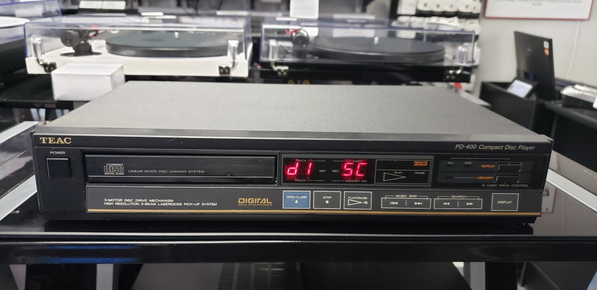 TEAC PD-400 CD Player