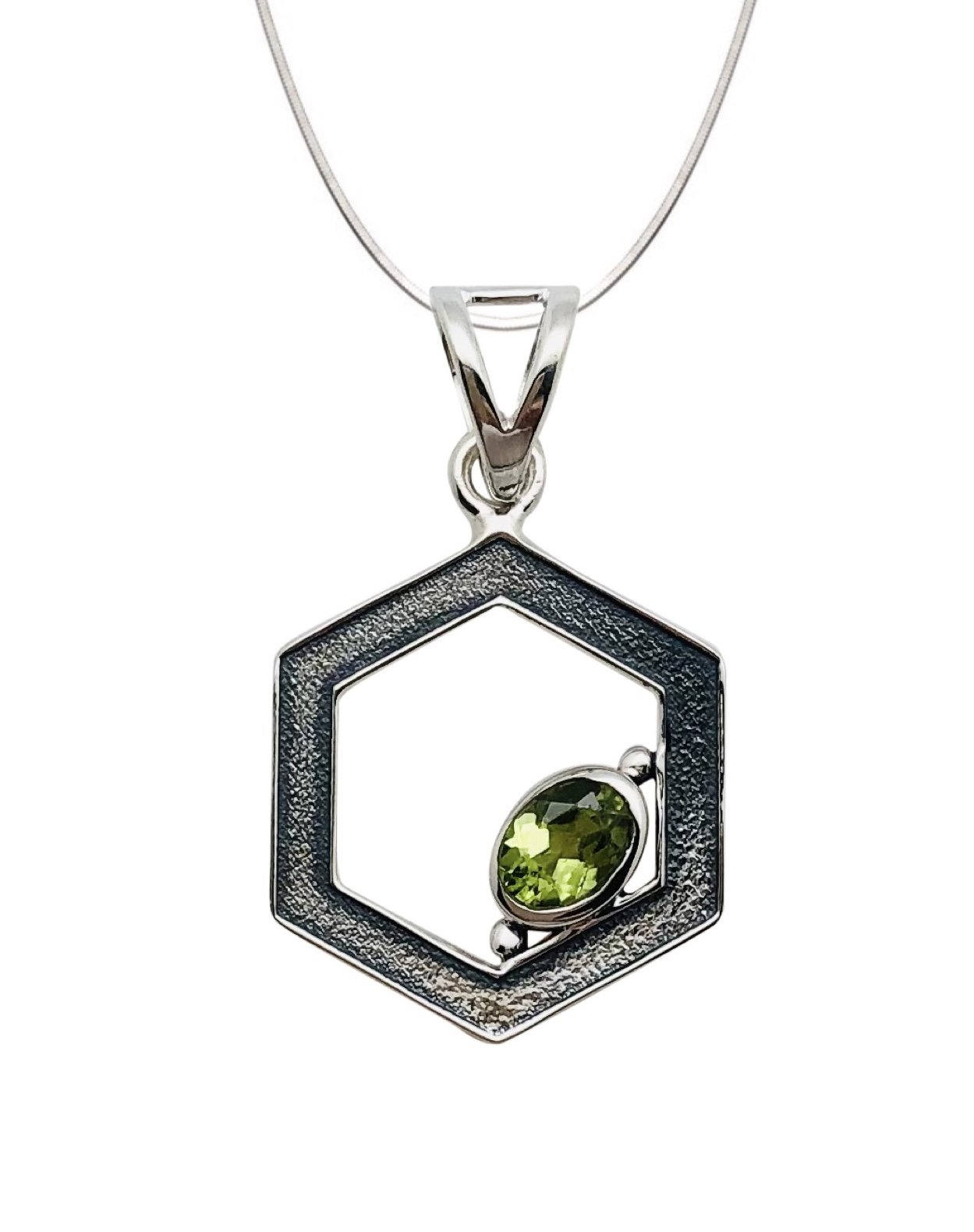 Peridot Oval Stone Shape in Hexagon Necklace (with Chain)