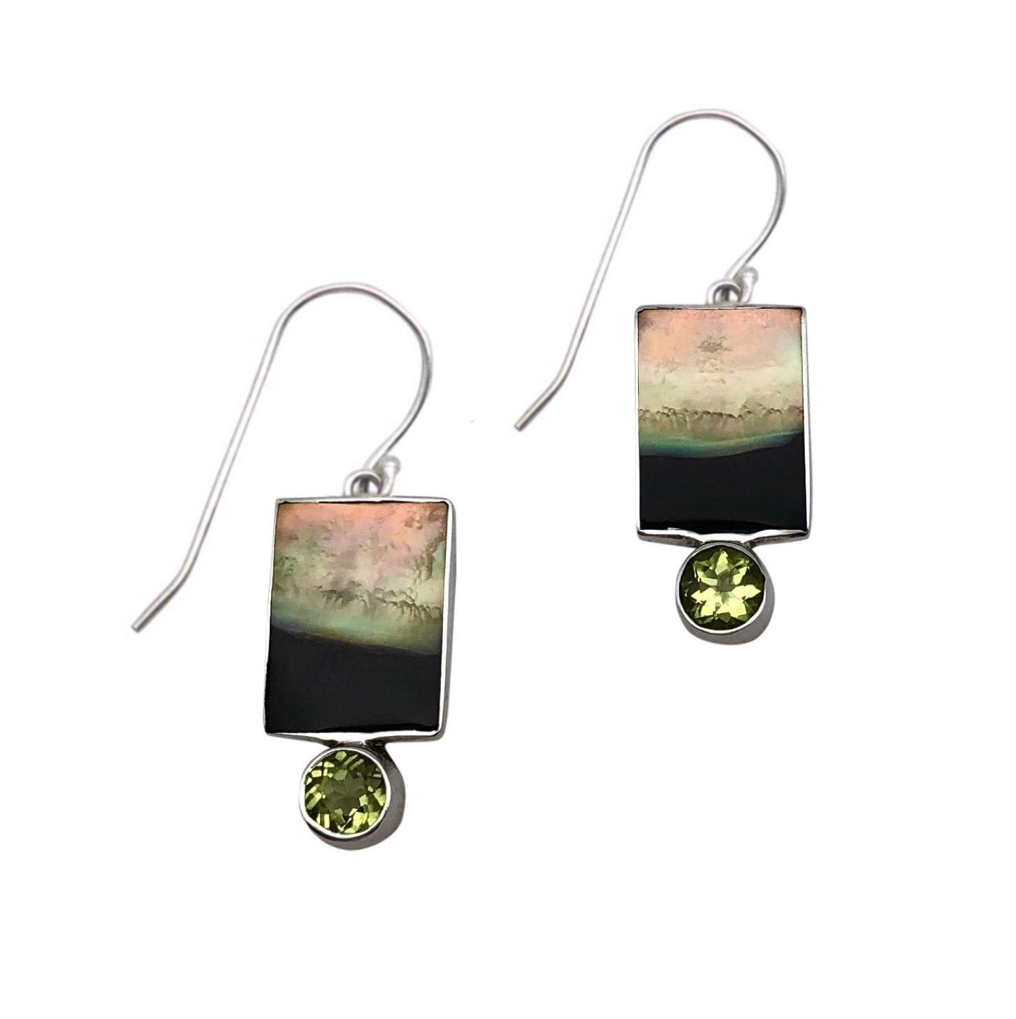 Ear > Peridot Round cut stone on Black Lipped Pearl Oyster Dangle Earring