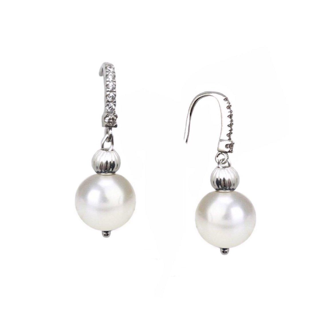 Ear > Pearl Dangle White Earring