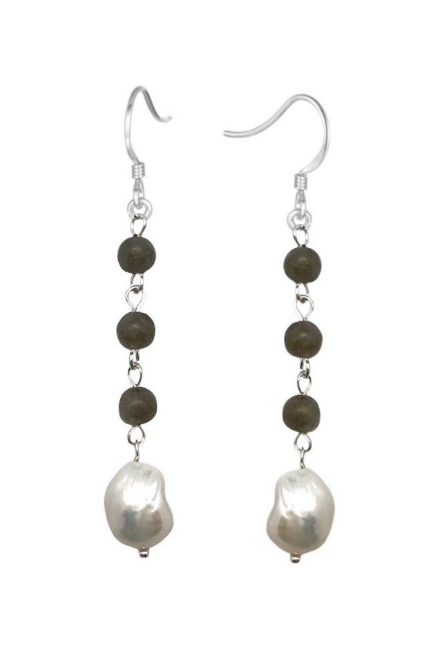 Ear > Pearl White with Labradorite Dangle Earring