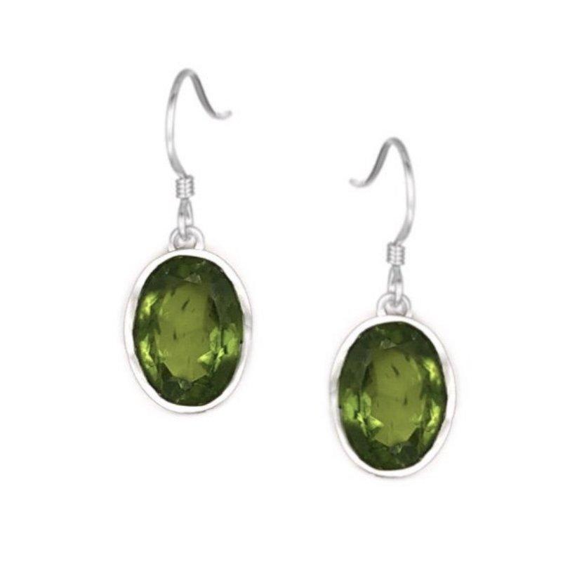 Ear > Peridot Oval Dangle Earring