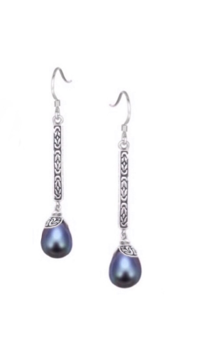Ear > Pearl Filigree Dangle Earring - Black