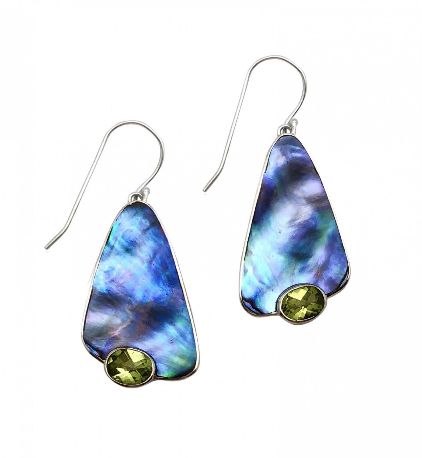 Ear > Peridot Oval cut stone Abalone Paua Shell Dangle Earring