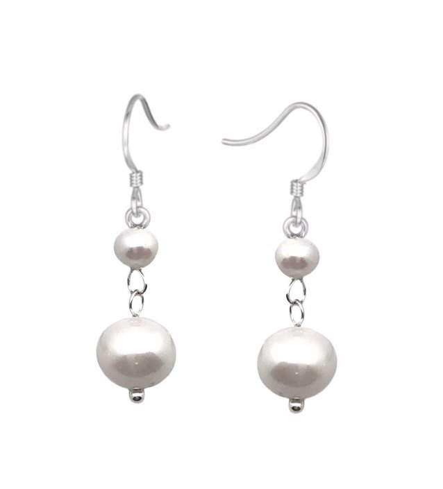 Ear > Pearl White Dangle Earring