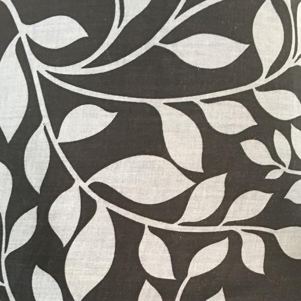 Benartex Vine Black/Silver 270 cm wide