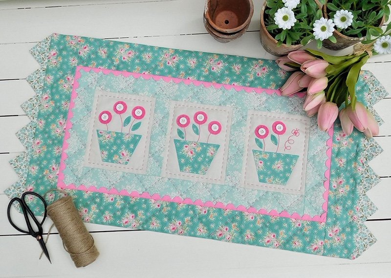 Bumble Blooms Table Runner Pattern