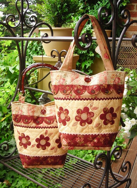 Dilly-Dally-Daisy Bag Pattern