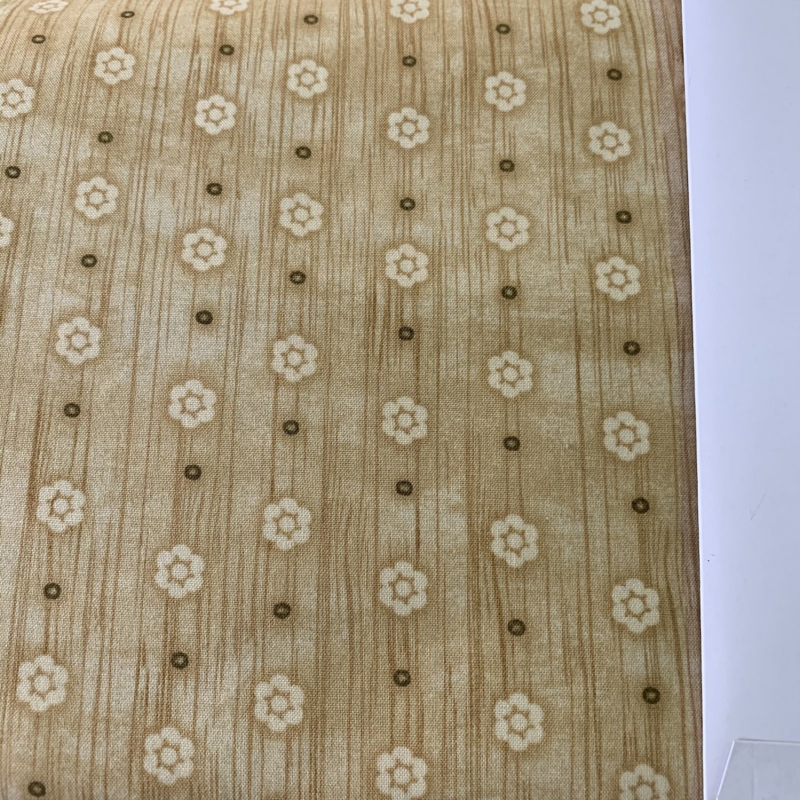 Woodland Critters - small flowers beige