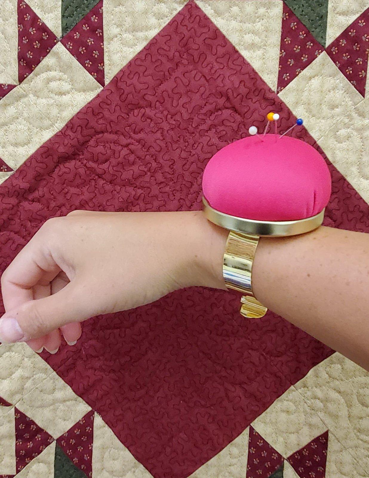 Bohin pincushion bracelet- fuchsia