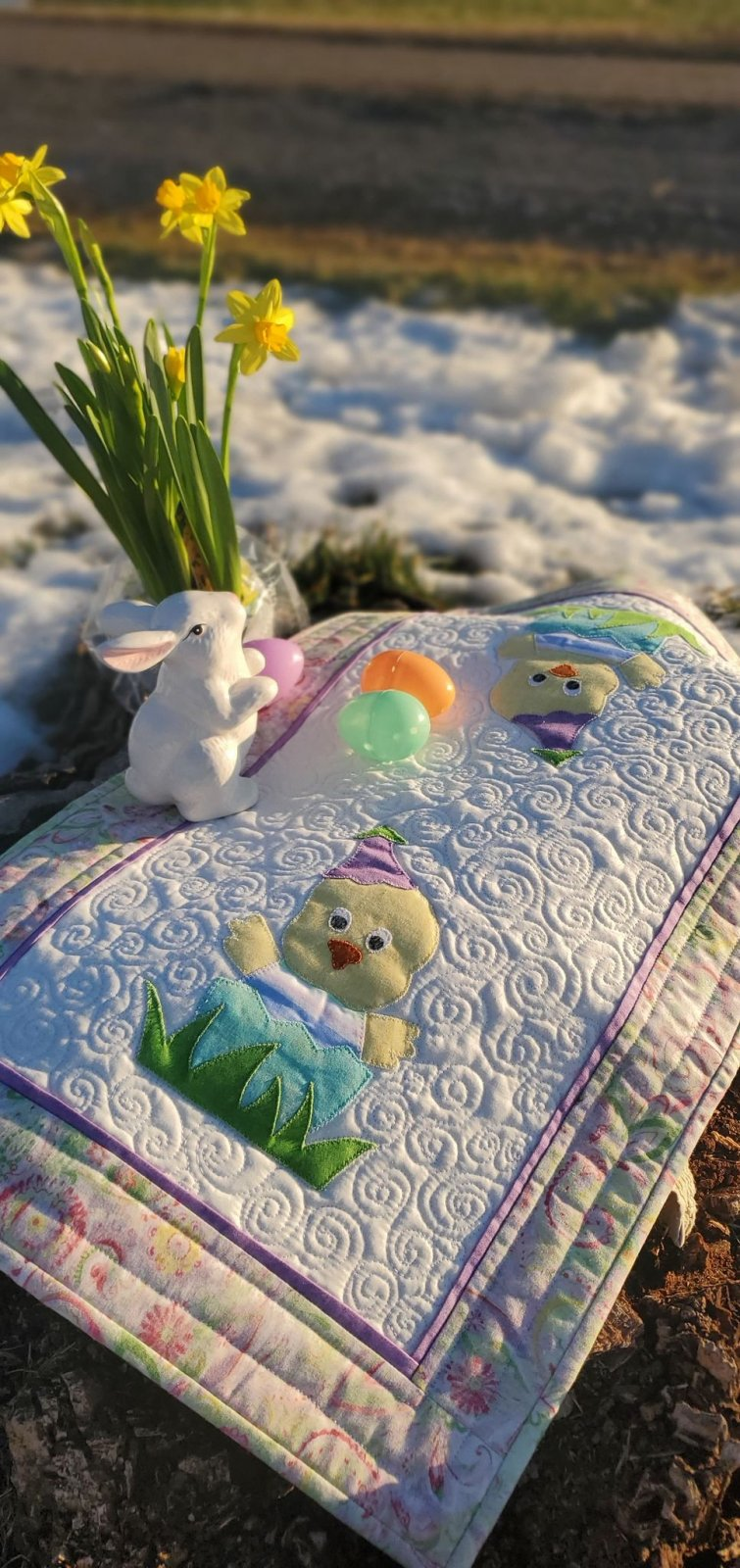 Easter Chick Table Topper Kit