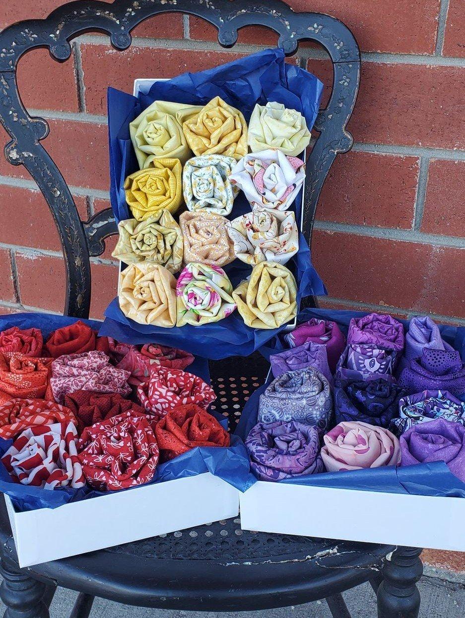 PRE-ORDER Mother's Day Flower Bundle Box - 1 dozen Fat Quarters