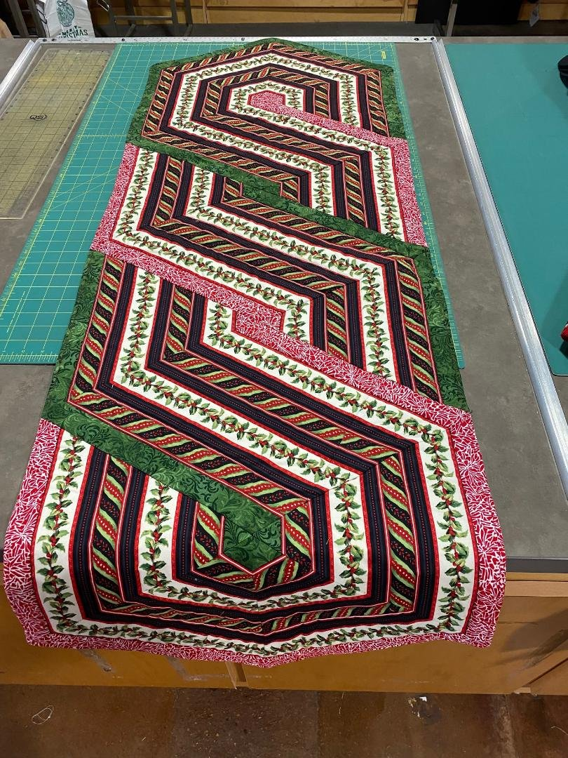 Christmas table Runner, S-curved, 20x48