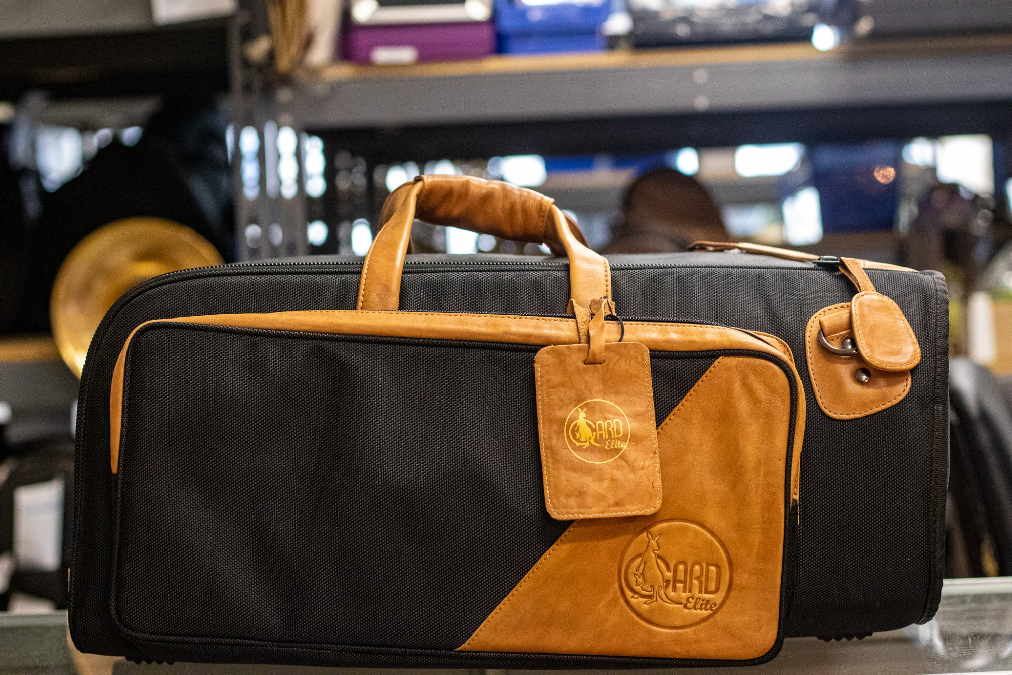 17-ESK GARD Elite - Trumpet + Flugelhorn Gig Bag Synthetic with Leather Trim