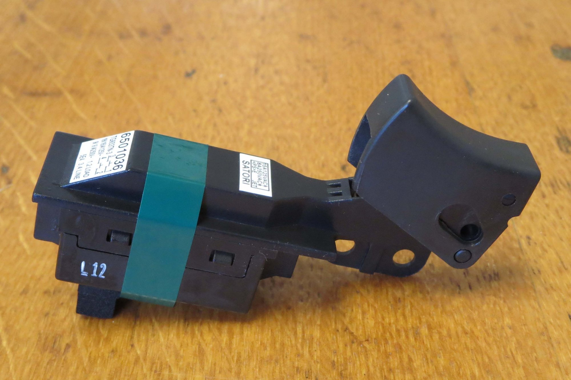 Makita Hypoid Saw Switch