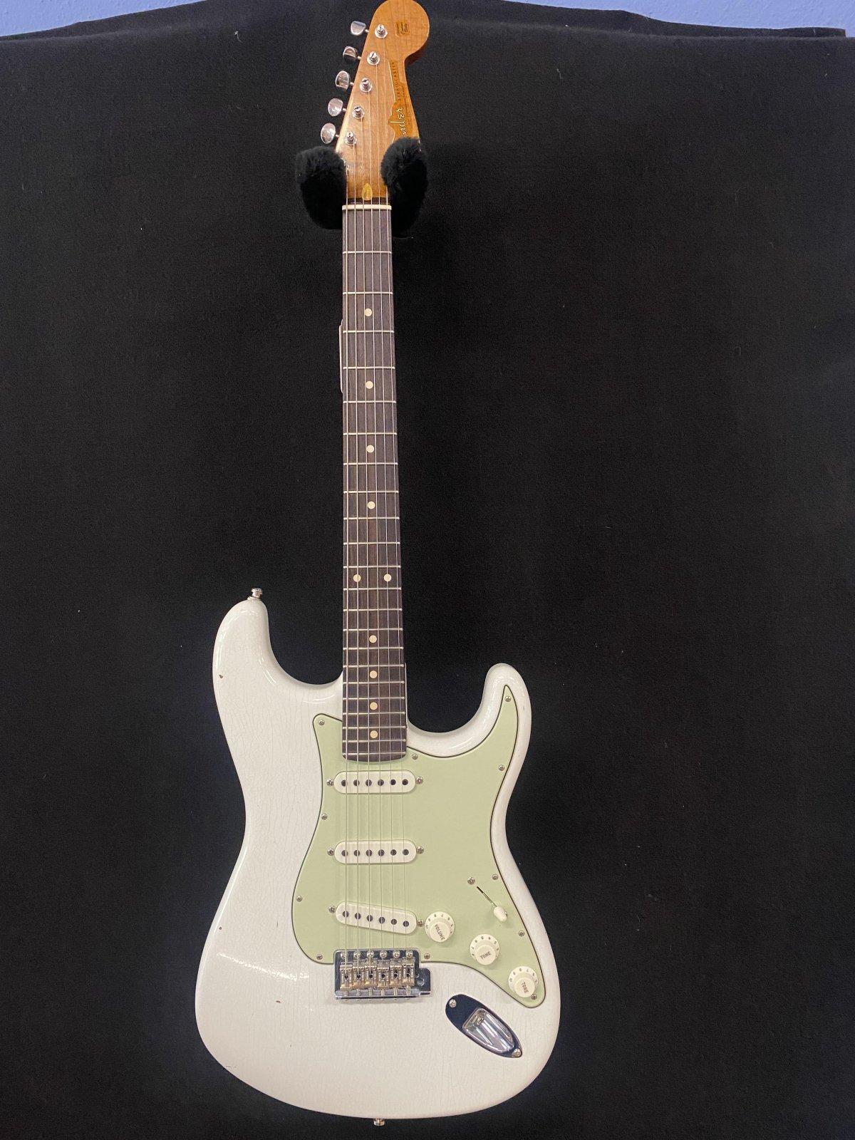 Used Fender stratocaster custom shop GT11