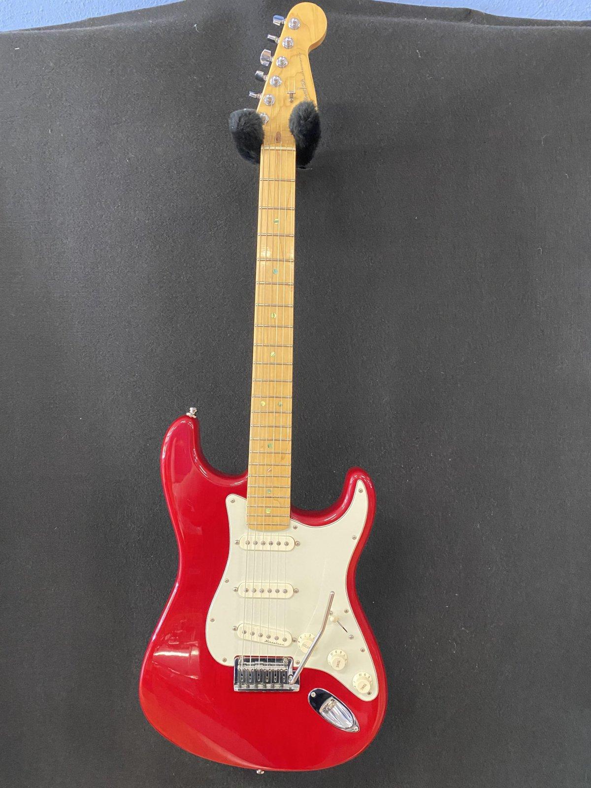2000 Fender Srtatocaster USA Deluxe