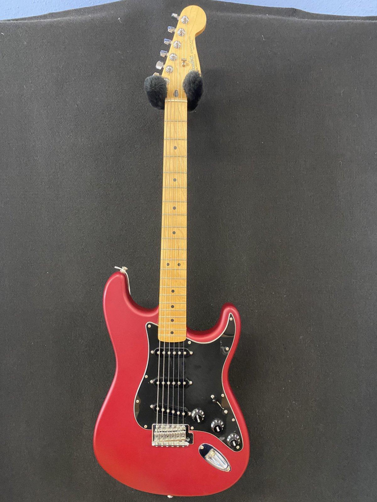 Fender Stratocaster MIM Red satin finish