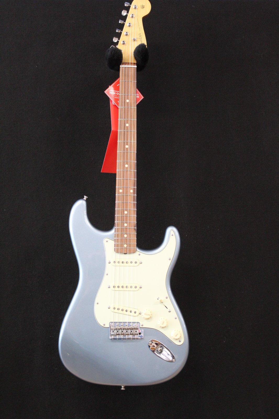 Fender Vintera 60's Stratocaster PF IBM