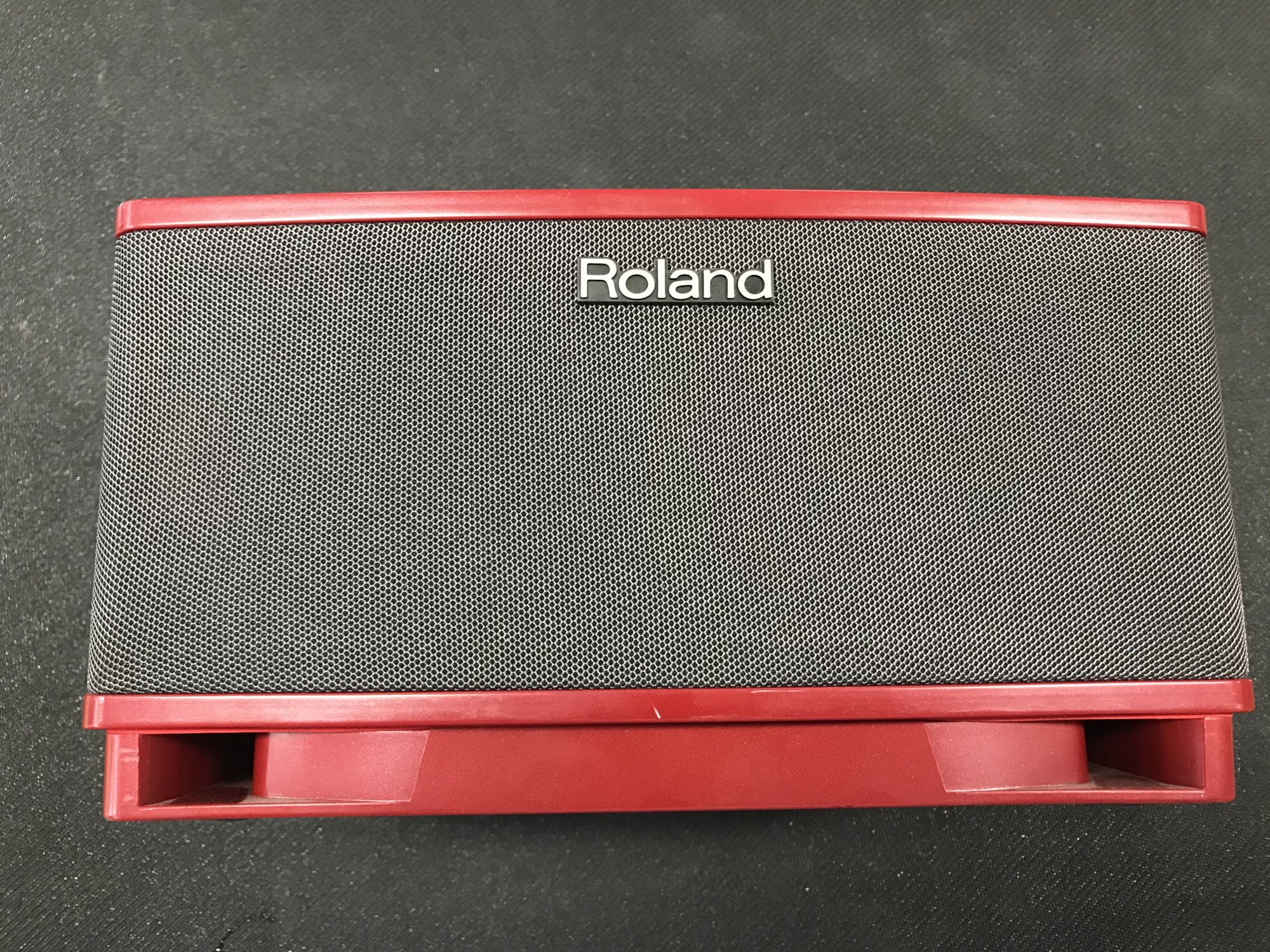 Roland Cube Light Red