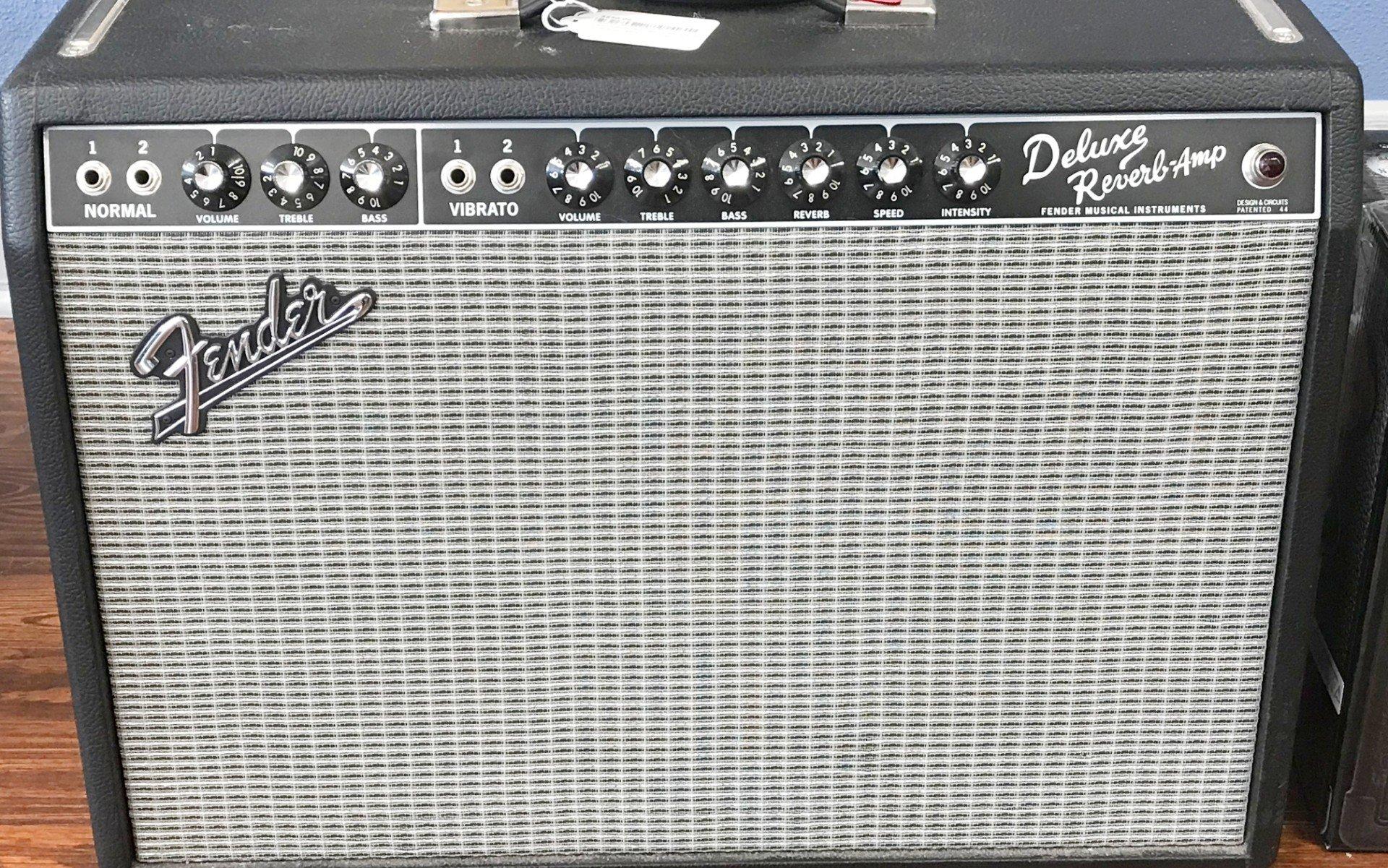Used Fender 65 Deluxe Reverb RI