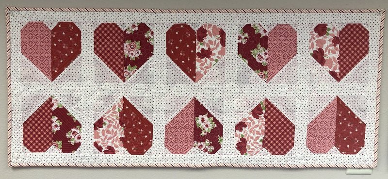 Valentine Hearts Table Runner Kit