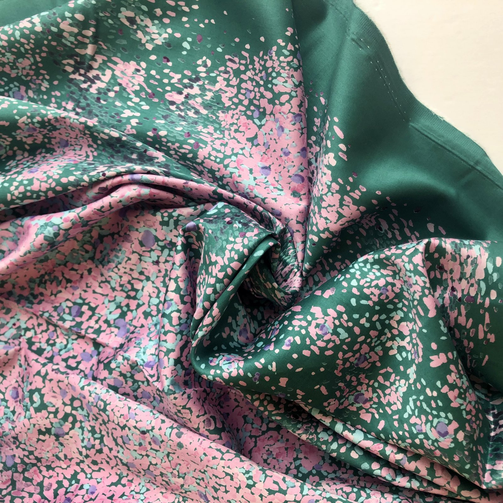 nani IRO Bird's Eye Cotton Sateen 45 - Pinks and Green