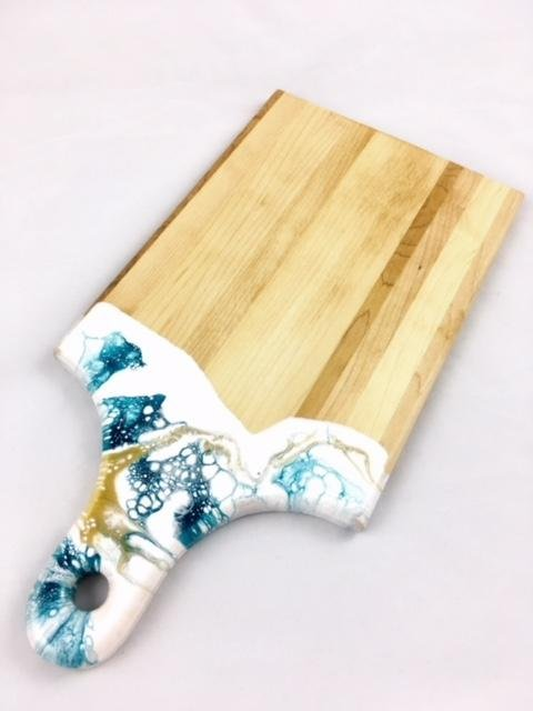 Lynn & Liana Maple Resin Cheeseboard