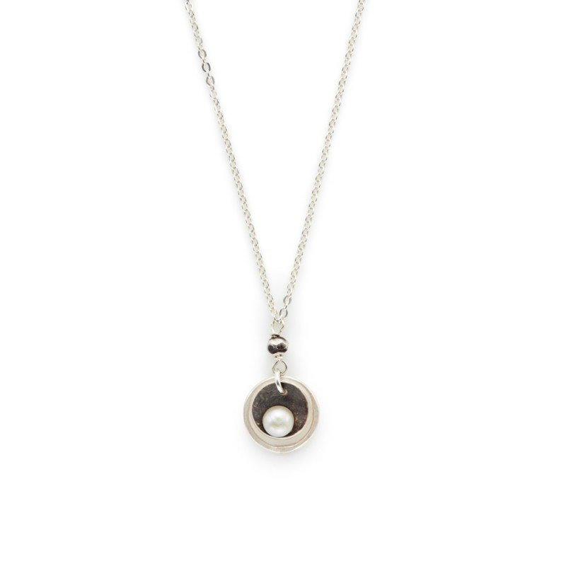 J&I STERLING AND PEARL NECKLACE