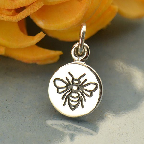 SS Small Round Charm with Etched Bee 14x8mm